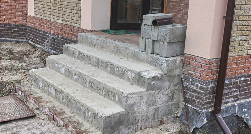 Лестница из керамзитоблоков
